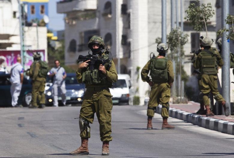 الاحتلال يقتحم سبسطيه ويحذر المواطنين من المساس بالمستوطنين