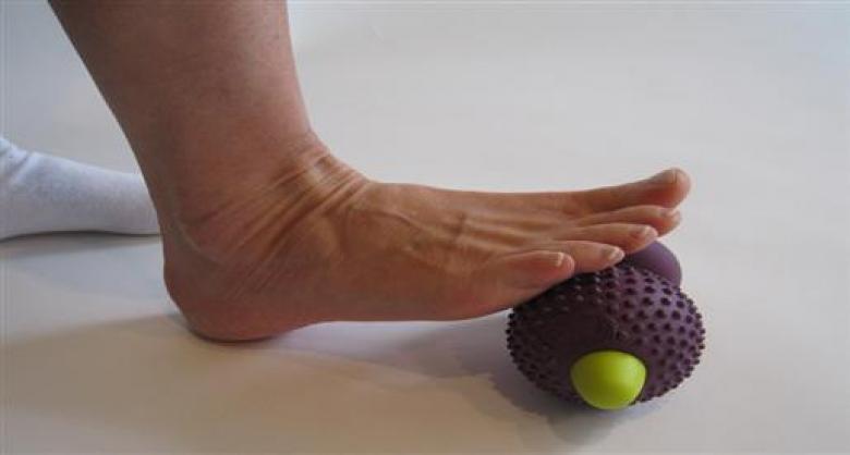 تمارين بسيطة لتقوية عضلات القدم