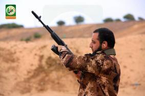 إذاعة الاحتلال: حماس تجهز لعملية كبيرة بالضفة