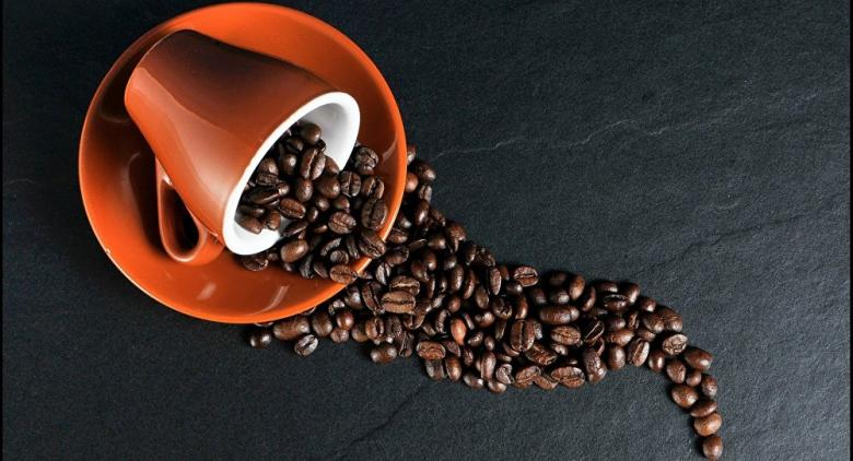 علماء يحددون كمية القهوة لمن يعاني من الصداع
