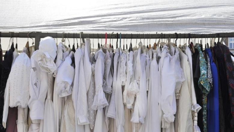 جددي خزانتك واربحي.. تعلمي مهارات بيع ملابسك المستعملة