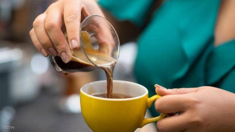 تعويض من تسقط عليه قهوة في الطائرة
