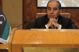 جثمان رئيس الوزراء الليبي الأسبق يوارى الثرى في مصر (صور)