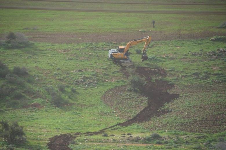 الاحتلال يدمر محاصيل المزارعين في الاغوار
