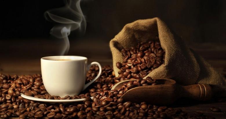 دراسة علمية: القهوة والشاي للحامل تقللان وزن الجنين