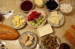 """تركيا تخسر 18 مليار دولار بسبب """"وجبة الإفطار"""""""