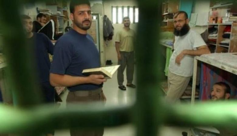 أسرى حماس يهددون بالإضراب عن الطعام