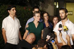"""عائلة """"غولدين"""" تطالب بمنع الزيارات العائلية لأسرى """"حماس"""""""