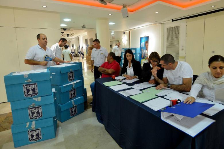 استطلاع رأي جديد للانتخابات الإسرائيلية .. تعرف على المتفوق
