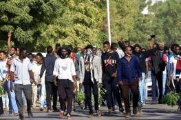 رغم تحذير البشير.. احتجاجات وحرق للمرافق وسط السودان