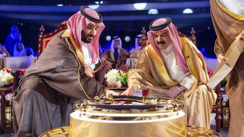"""""""هجوم إيراني"""" على مواقع سعودية وبحرينية"""