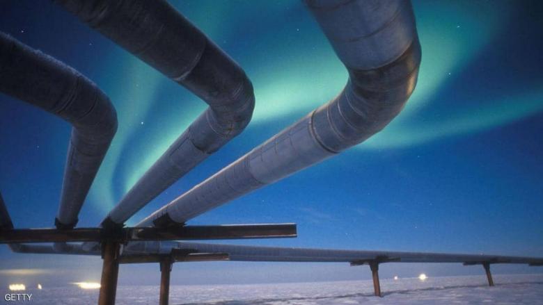 النفط يهبط بعد زيادة المخزون والأنظار على الحرب التجارية