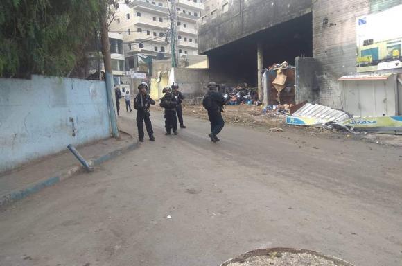 اندلاع مواجهات مع الاحتلال في مخيم شعفاط بالقدس المحتلة