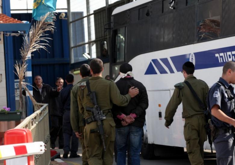 الاحتلال يصدر أوامر اعتقال إداري بحق 90 أسيرا