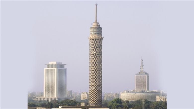تفاصيل صادمة وراء انتحار طالب الهندسة بإلقاء نفسه من أعلى برج القاهرة
