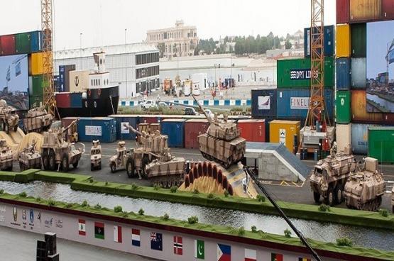 الإمارات تعقد صفقات بـ1.2 مليار دولار