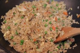 فوائد ثمينة تشجع على تناول الأرز البني