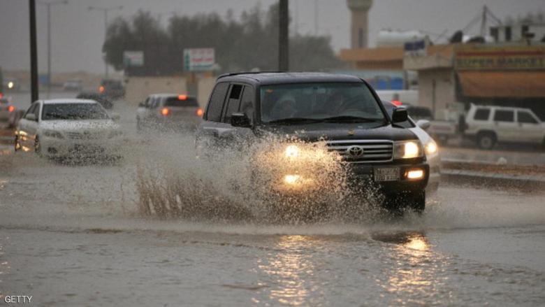 مناشدة للمواطنين بتوخي الحذر عند القيادة
