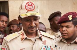 """نائب رئيس """"العسكري"""" السوداني """"حميدتي"""" يصل السعودية"""