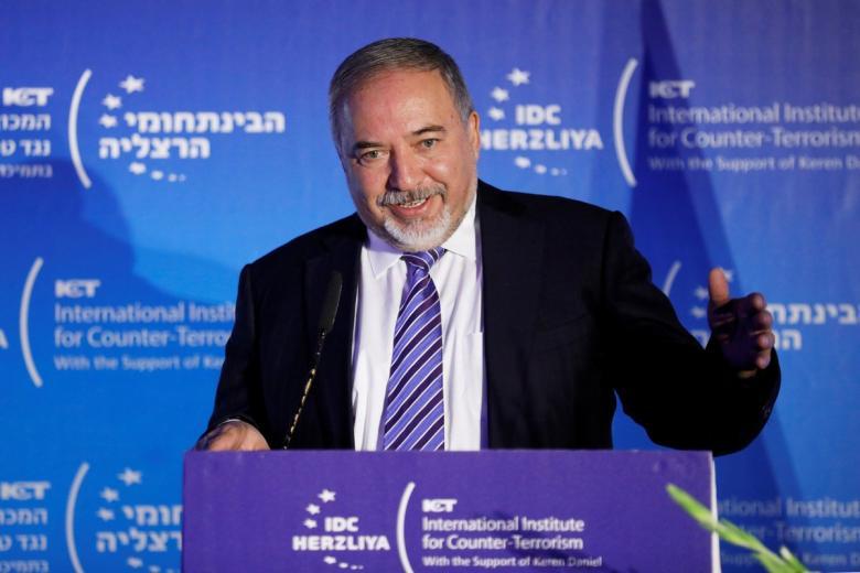 ليبرمان: نتنياهو منع اغتيال قائد حركة حماس