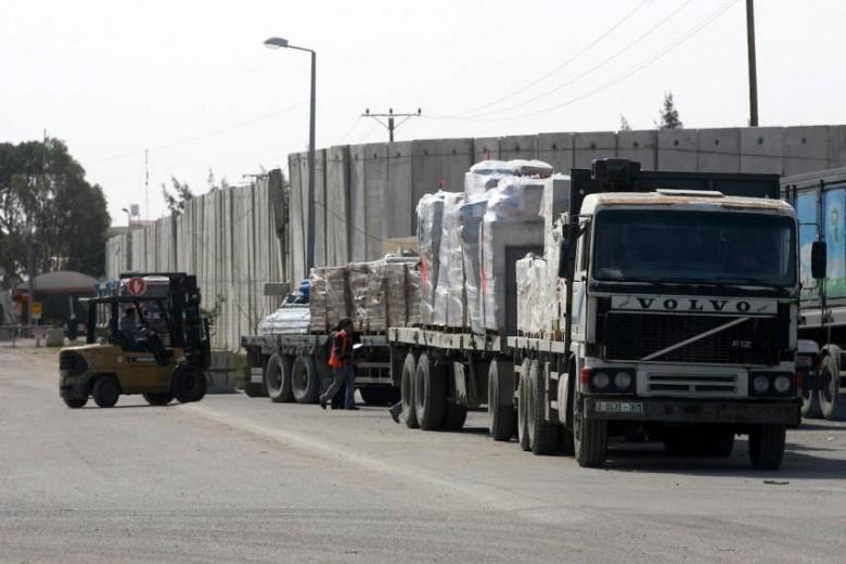 """إحصائية حركة الشاحنات عبر """"كرم أبو سالم"""" اليوم الاثنين"""