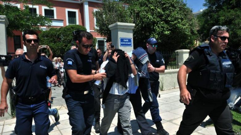 """اعتقال 271 ضابطا تركيا بـ """"تهمة غولن"""""""