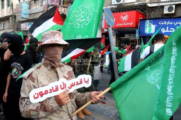 اختتام مخيمات فرسان فلسطين من خلال مسير عسكري