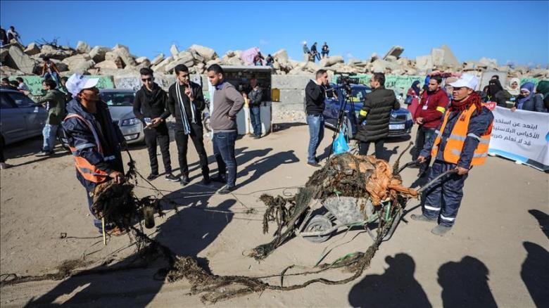"""مبادرة لتنظيف """"ميناء"""" غزة وتجميله"""