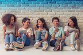 كيف تتعاملين مع طفلك في سن المراهقة؟