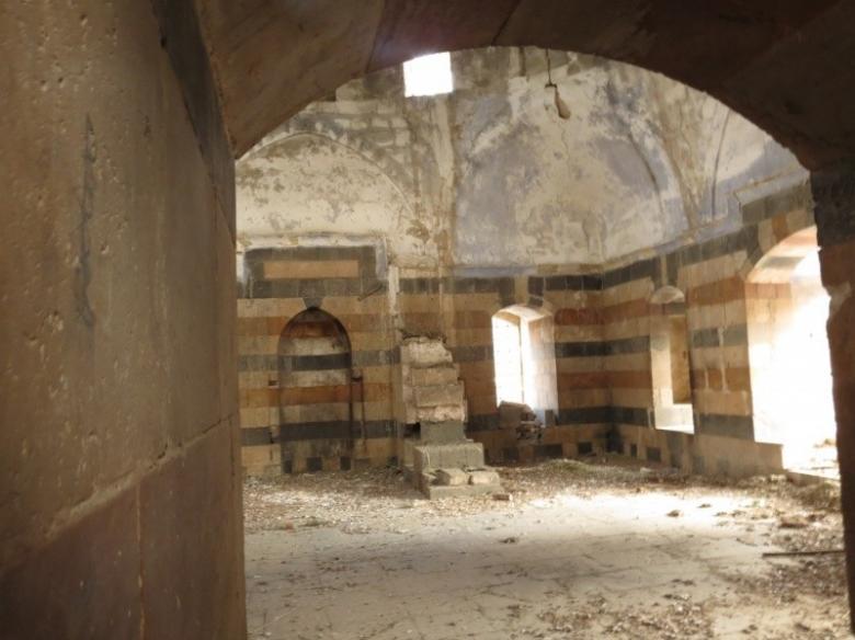 الاحتلال يتراجع عن تحويل مسجد البحر الأثري إلى متحف