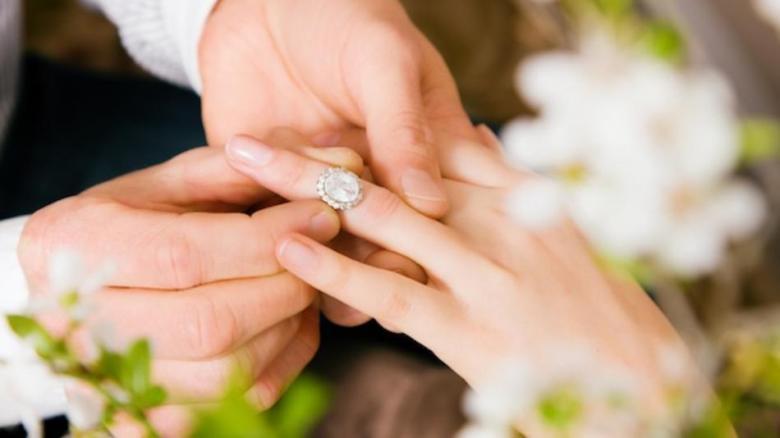 دراسة: المتزوجون أقل توترا من غيرهم