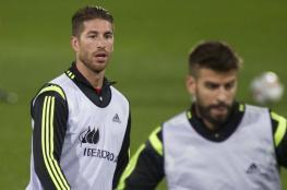 لاعبو برشلونة يدعمون راموس ضد بيكيه!