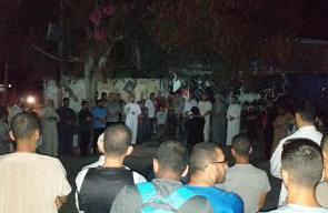 وقفة أمام منزل الأسير أبو معيلق للمطالبة بعلاجه
