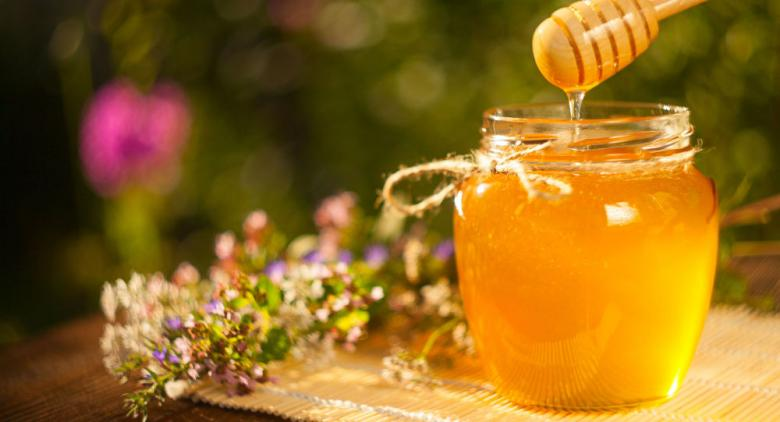 دراسة: العسل يحتوي على مواد خطرة تضر بصحة البشر