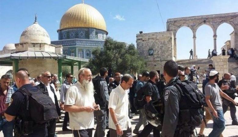 221 مستوطنًا يقتحمون المسجد الأقصى المبارك