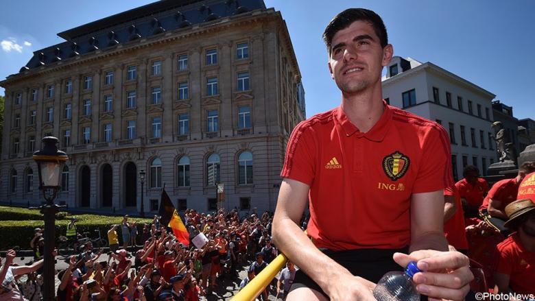وكيل كورتوا يؤكد رغبته بالانتقال إلى ريال مدريد
