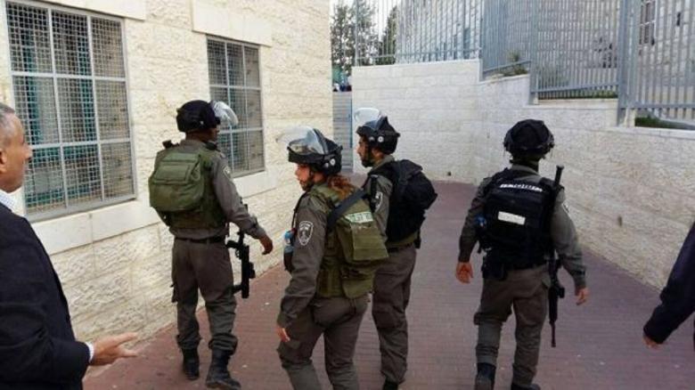 الاحتلال يقتحم بيت ساحور ويشن حملة مداهمات واسعة