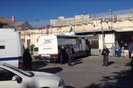 الاحتلال يستدعي رئيس أهالي أسرى القدس وشقيقه