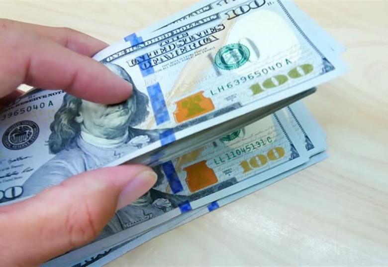 لبنان: هل يصل الدولار إلى الـ3000 ليرة؟