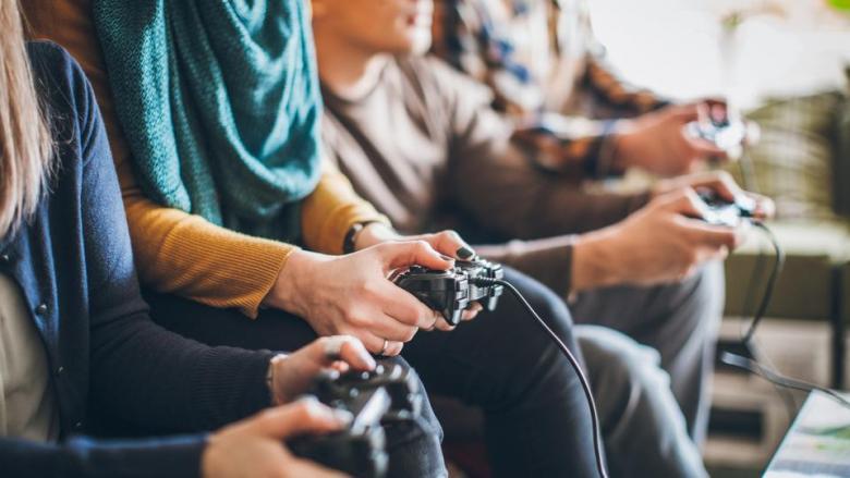 ثلثا الأميركيين يمارسون ألعابا إلكترونية..وينفقون بسخاء