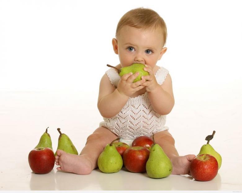 مظاهر نمو الطفل في الشهر الثاني عشر