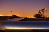 ارتفاع النفط ومنصات الحفر في أميركا تلجم المكاسب