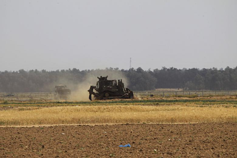 توغل محدود لجرافات الاحتلال شرق خانيونس