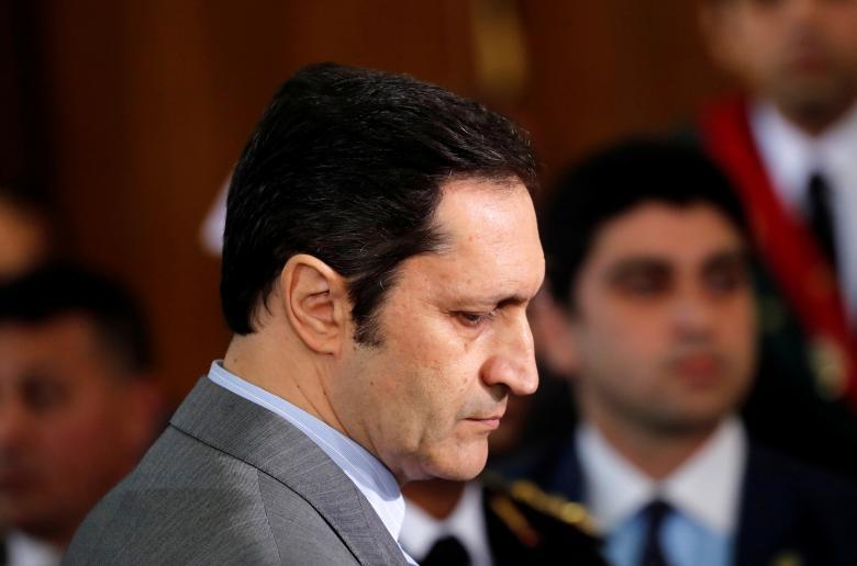 أول رد فعل من علاء مبارك بعد وفاة والده