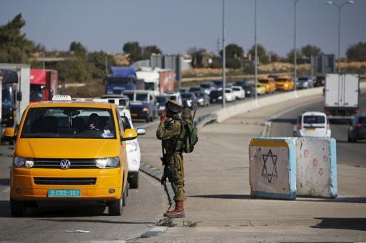 ماذا لو كان أمام بيتك حاجز إسرائيلي؟!