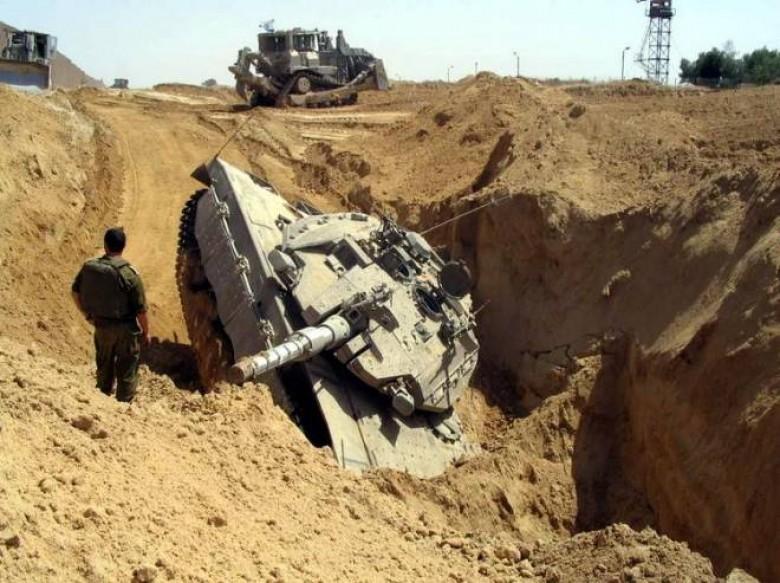إصابة أربعة جنود إسرائيليين إثر انقلاب آلية عسكرية قرب الحدود المصرية