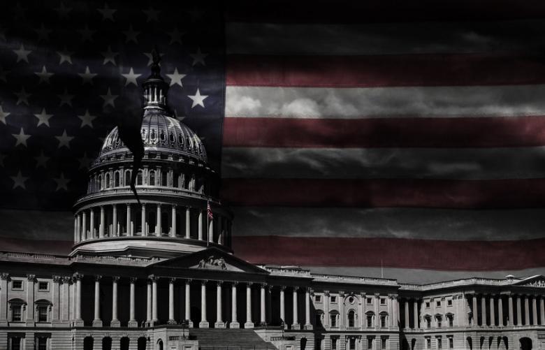 ماذا يحدث عندما يدخل الرئيس الأمريكي والكونغرس في حرب سياسية؟
