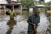 نزوح آلاف الأشخاص بسبب الفيضانات في ماليزيا
