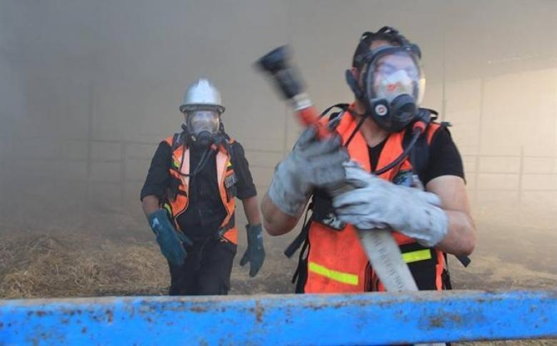 دفاع مدني خانيونس يسيطر على حريق شبَّ في سوبر ماركت