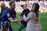 راكيتيتش يستفز جماهير برشلونة بسبب زوجته